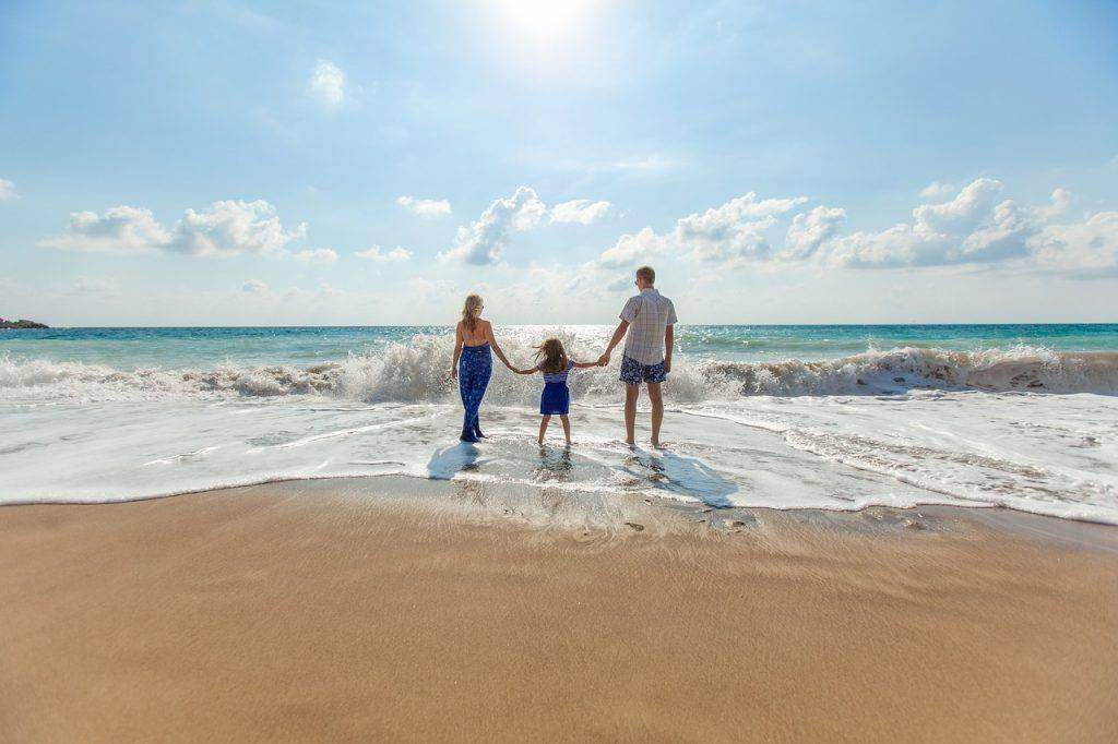 Great Ways to Save for Your Family Vacation