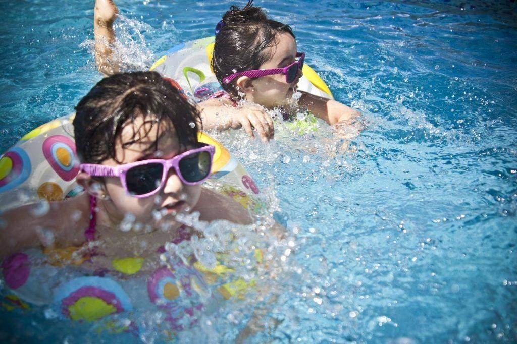 4 Tips on How to Make Pool Decks Safer for Kids