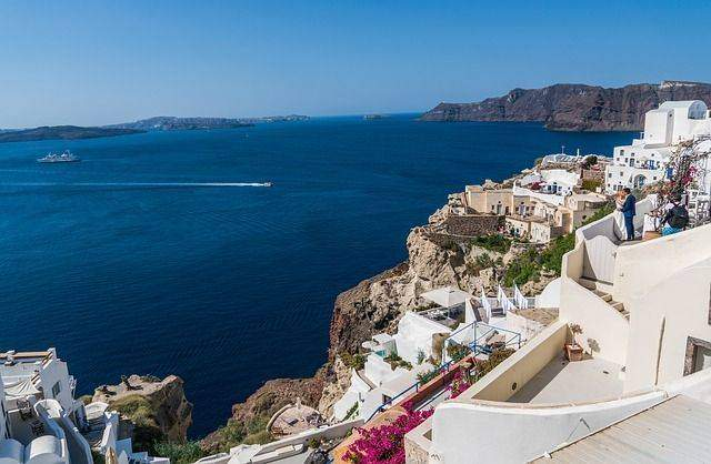 Hiring Professional Planner for a Destination Wedding in Greece