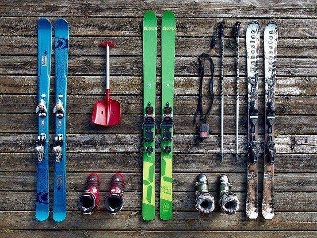 3 Tips on Buying Adult and Kids Snow Skis for the First Time