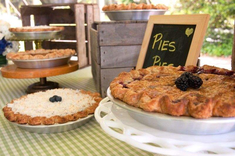 pies and apple pies