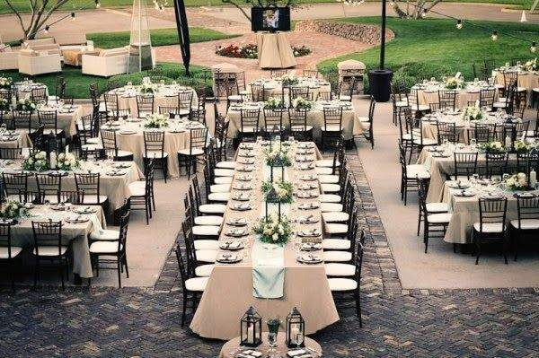 Exciting Ways to Inspire Wedding Guests to Mingle