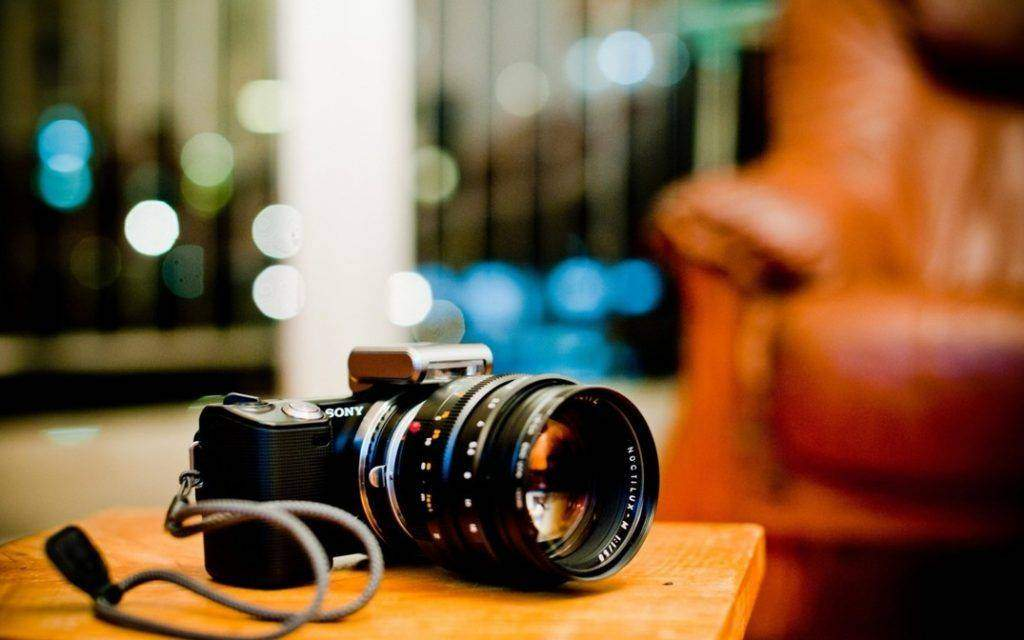 5 must have accessories for your DSLR camera