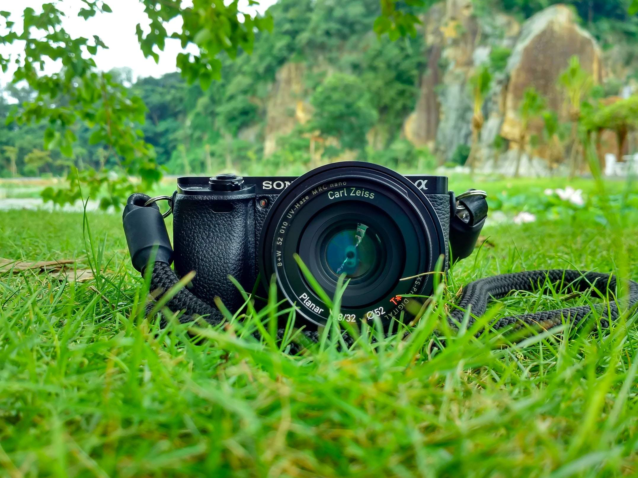 Digital SLR Camera Accessories For Long Life and Efficient Functioning