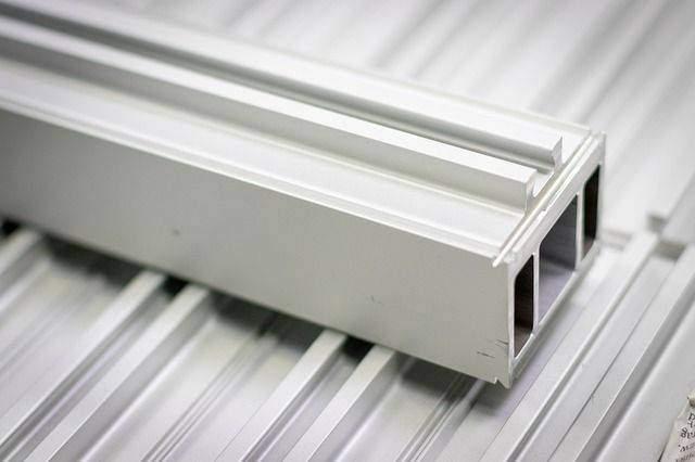smooth aluminum siding corner
