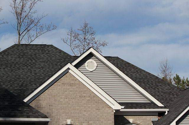 How to Install Hip Roof Shingles : A Complete Guide