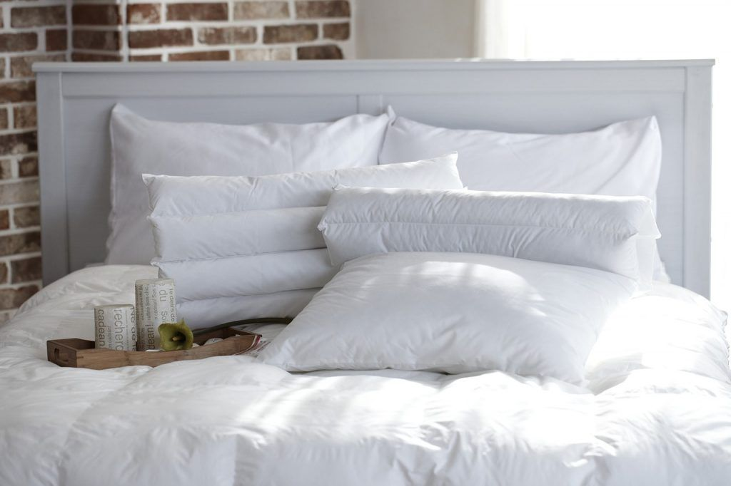 pillow-1890940_1280
