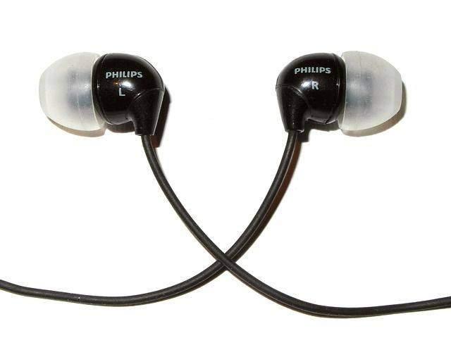 earplugs-388675_640