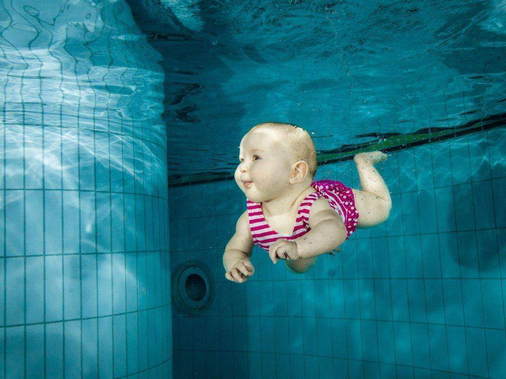 6 Long-Term Benefits Of Swimming For Infants and Toddlers