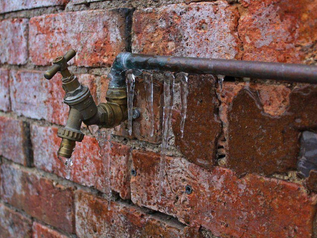 What To Do If A Frozen Pipe Bursts In Your Home Articles Reader