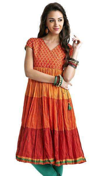 How to Look Naturally Beautiful In Crushed Kurtis