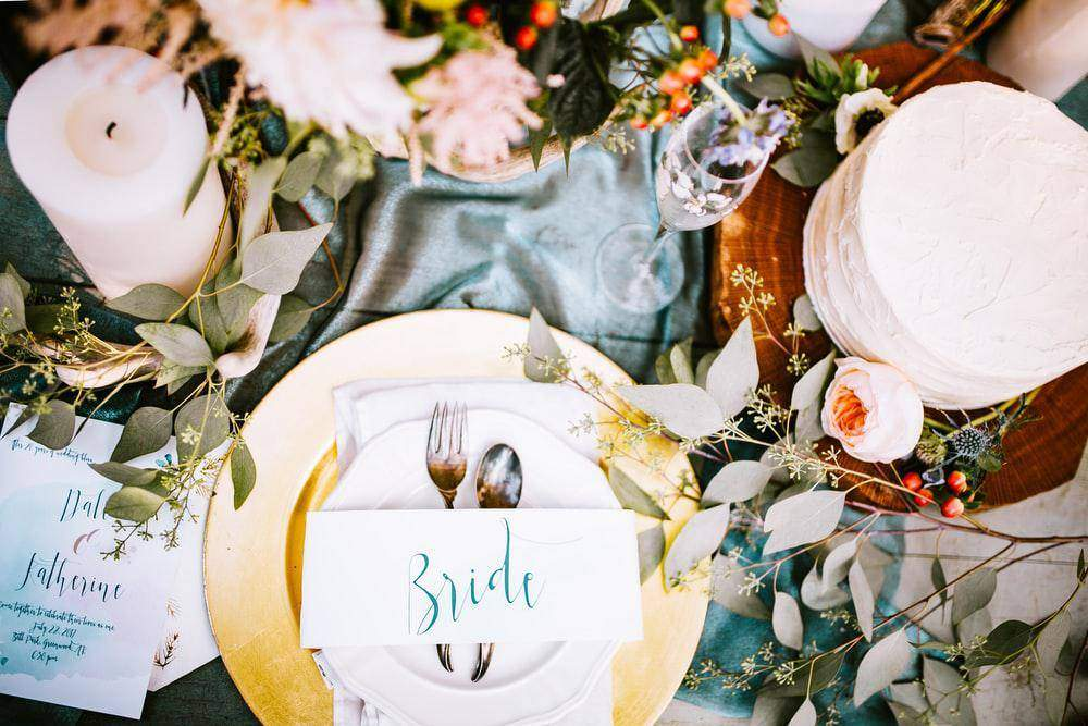 Food and Weddings: 3 Food Tasting Guides for the Bride