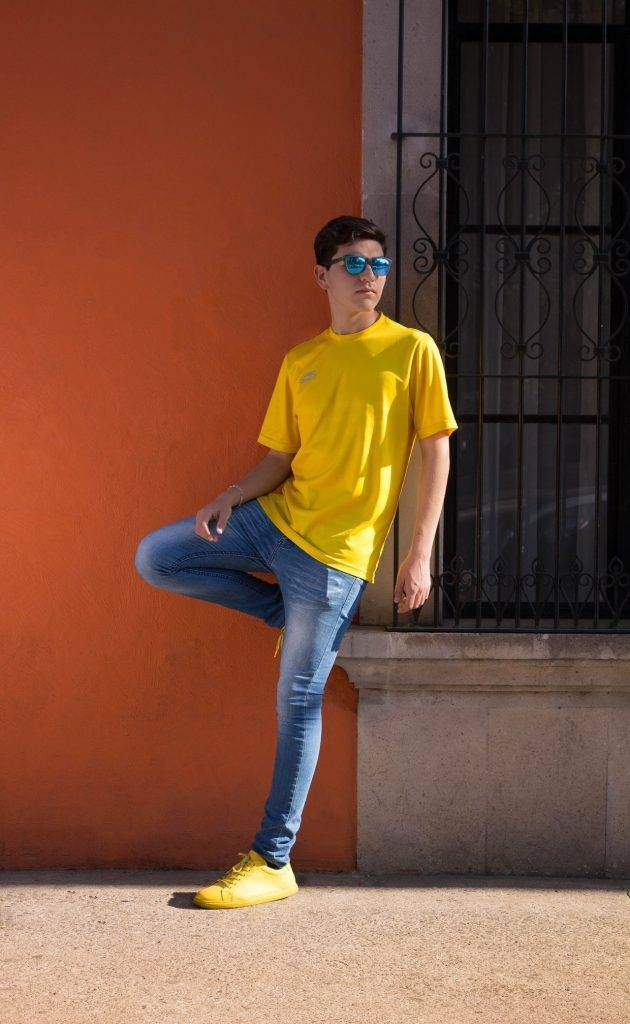 Effortlessly Cool Ways In Which You Can Wear Latest T-shirt