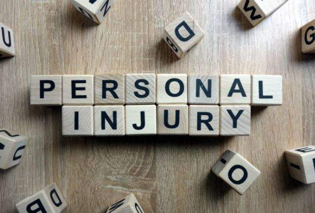 Top 10 Reasons Why People Should Use a Personal Injury Lawyer