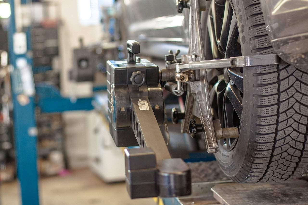Car Lift Safety Tips to Assist You and Your Vehicle Stay Safe