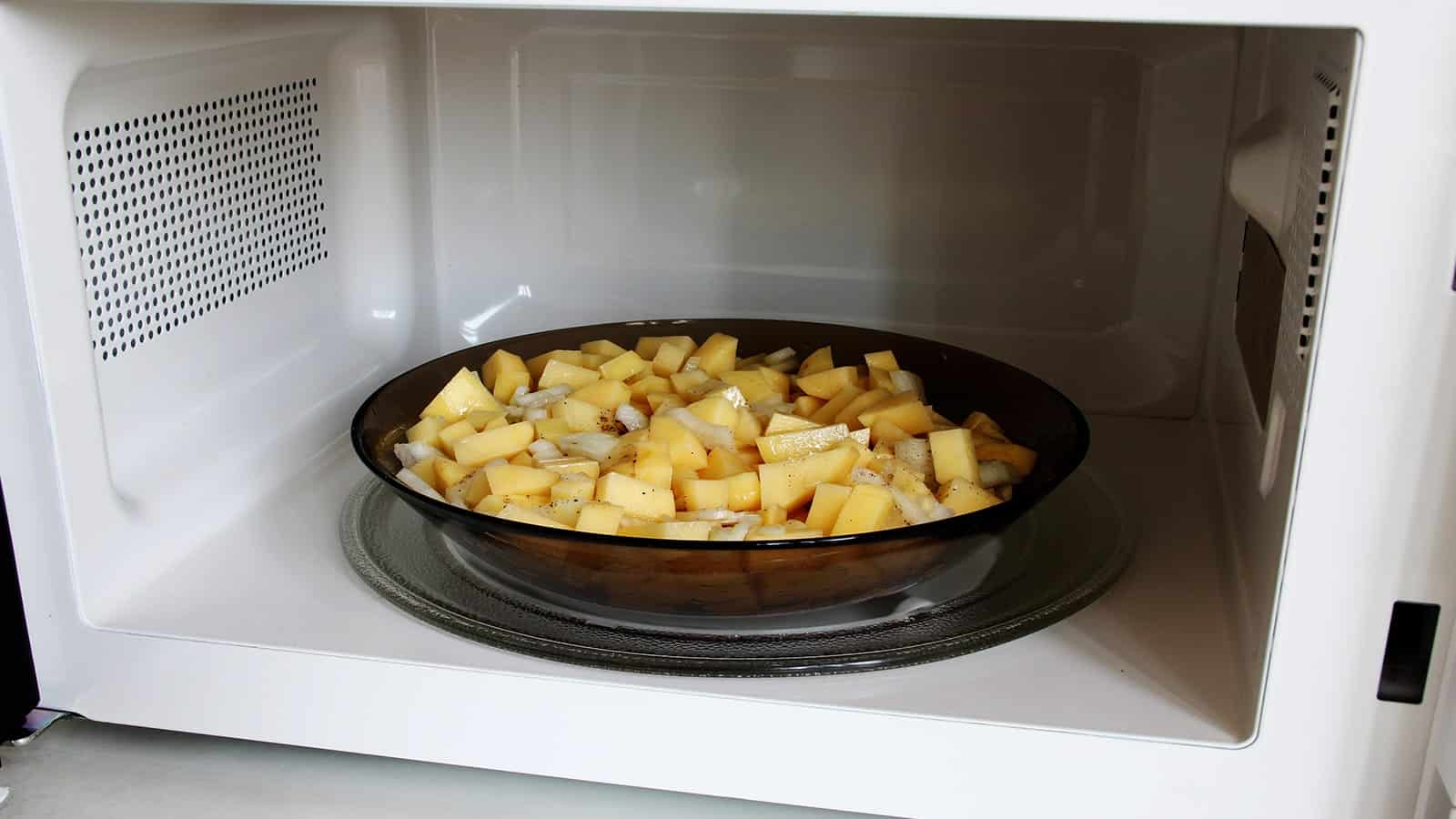 Are Microwave Foods Bad for Your Rich Health?