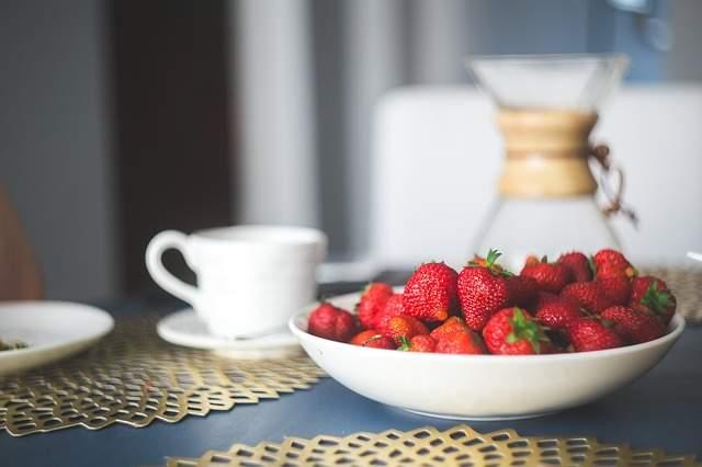 Very Berry Yogurt Bowl